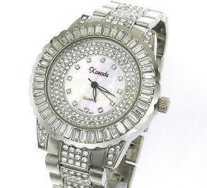 Женские наручные кварцевые часы со стразами и металлическим ремешком (розово-золотистые